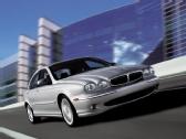 Autoesittely Jaguar X-Type (2002)