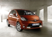 Autoesittely Toyota Aygo 2012