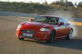 Autoesittely: Jaguar XKR (2009)