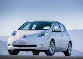 Autoesittely Nissan Leaf 2013