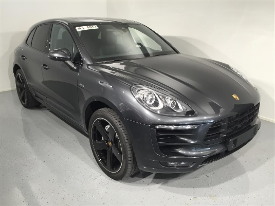 Porsche Macan, Immediately deliverable car