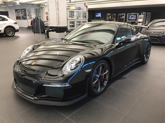 Porsche 911, Immediately deliverable car
