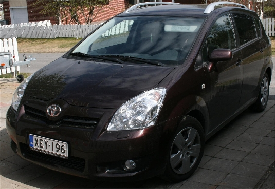 myyd n toyota corolla verso 2007 oulu xey 196. Black Bedroom Furniture Sets. Home Design Ideas