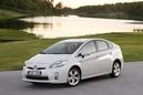 Autoesittely Toyota Prius 2012