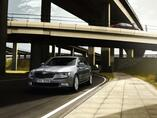Autoesittely Skoda Superb 2012