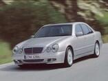 Autoesittely Mercedes-Benz E-sarja 2002