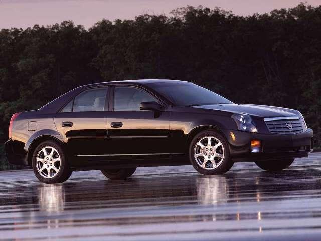Autoesittely Cadillac CTS (2003)