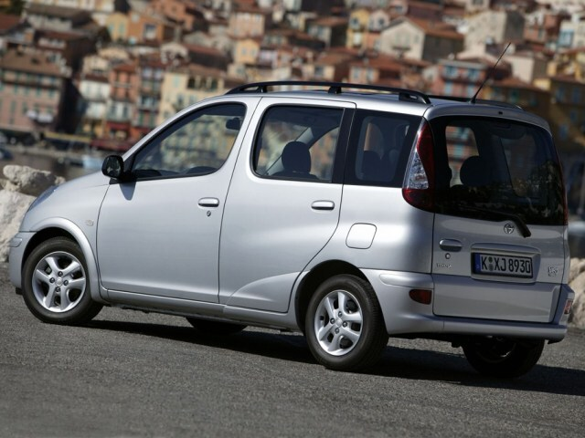 Autoesittely Toyota Yaris Verso (1999-2005)
