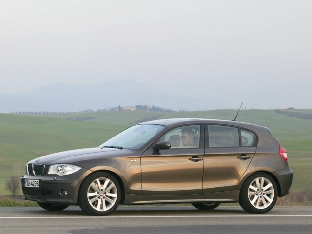 Autoesittely BMW 1-sarja 2004-2007