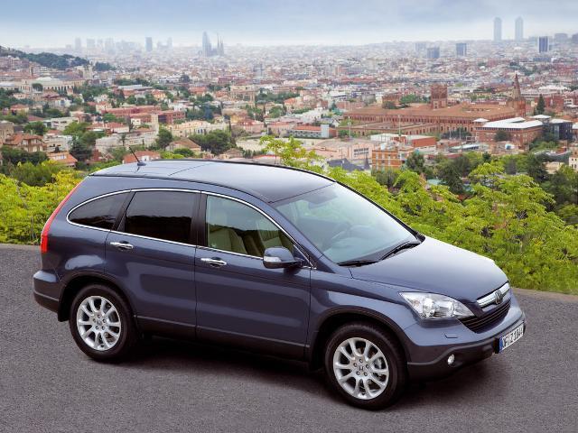 Autoarvio: Koeajossa Honda CR-V 2.0i Elegance