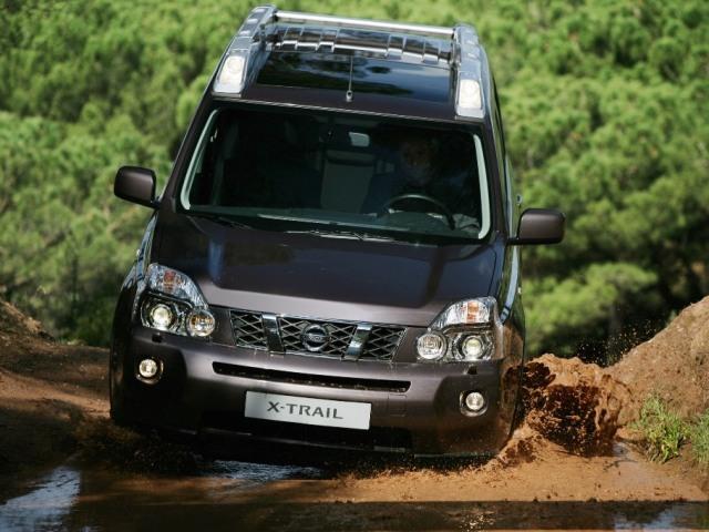 Autoesittely Nissan X-Trail 2008-2011