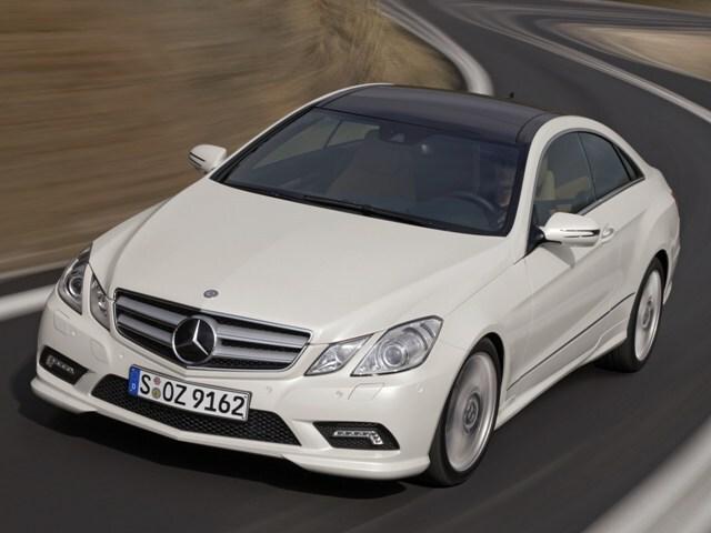 Autoesittely Mercedes-Benz E Coupe 2009