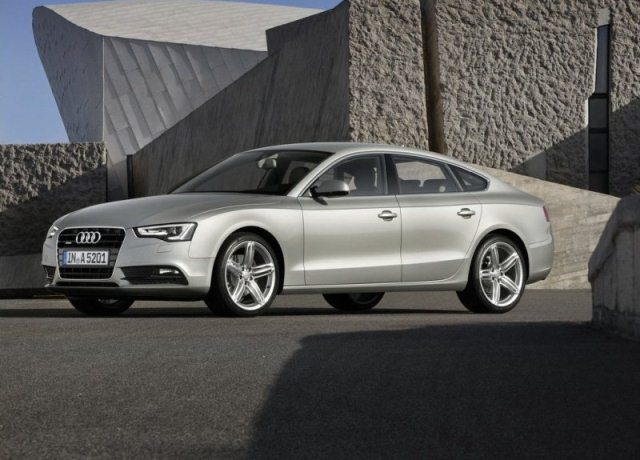Autoesittely Audi A5 2012