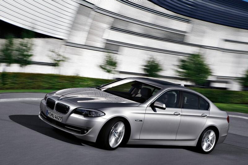 Autoesittely BMW 5-sarja (2011)
