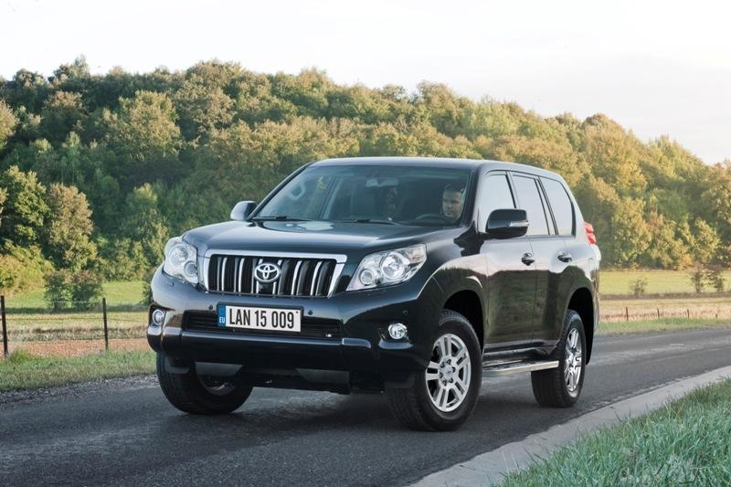 Autoesittely Toyota Land Cruiser 2011
