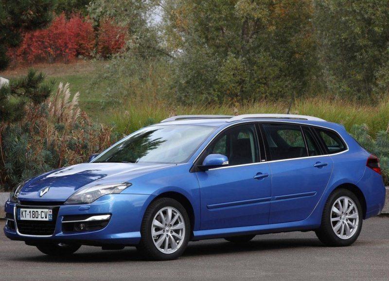 Autoesittely Renault Laguna 2012