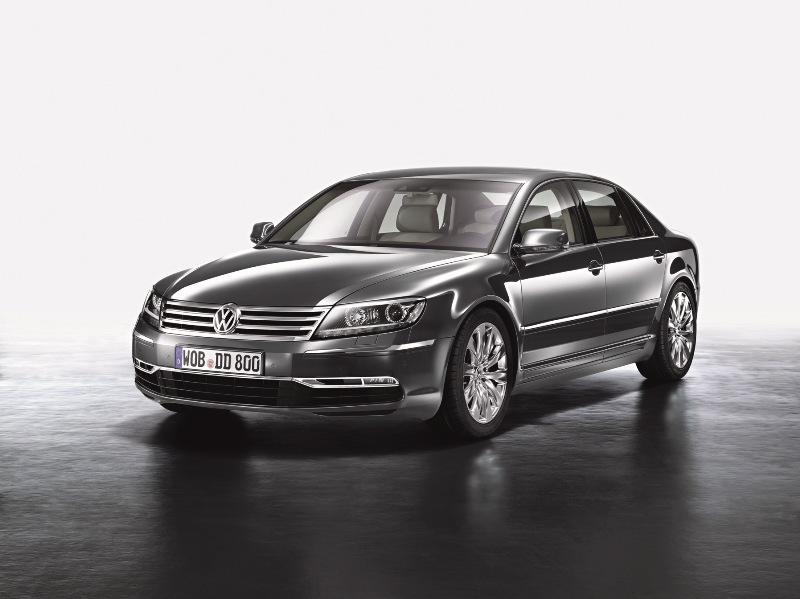 Autoesittely Volkswagen Phaeton 2012