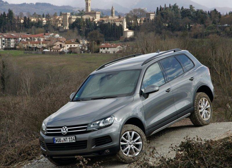 Autoesittely Volkswagen Touareg 2012