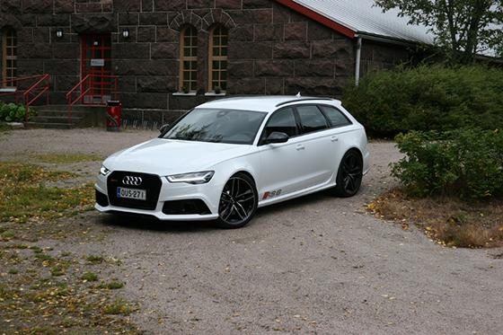 Kaasujalka.fi koeajo ja arvio: Audi RS6 on perheellisen märkä päiväuni