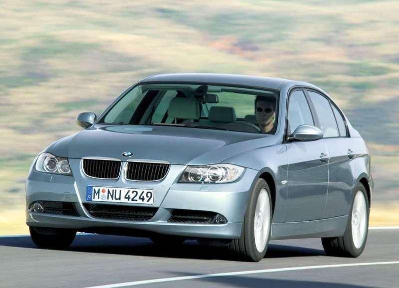 Autoesittely BMW 3-sarja E90 2005-2012