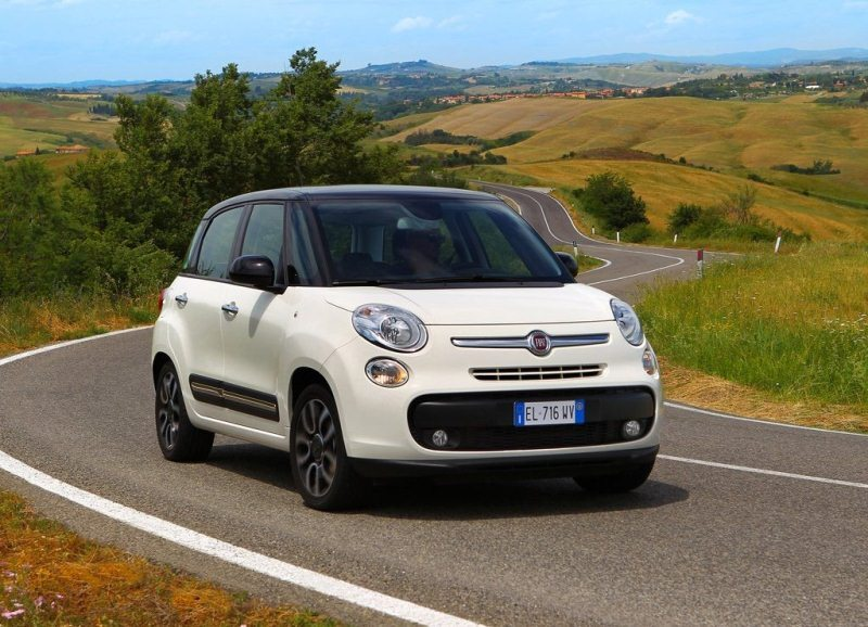Autoesittely Fiat 500L 2013