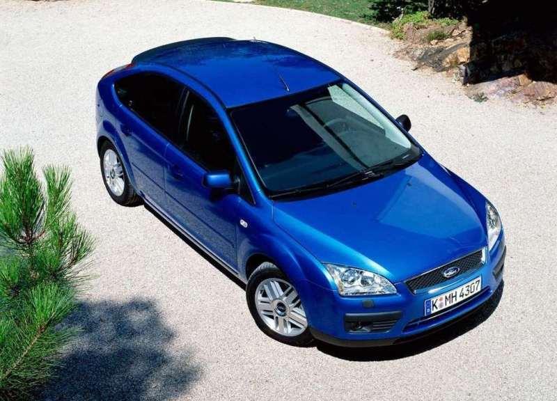 Autoesittely Ford Focus 2004-2011