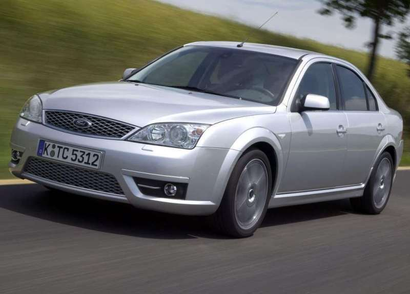 Autoesittely Ford Mondeo 2000-2007