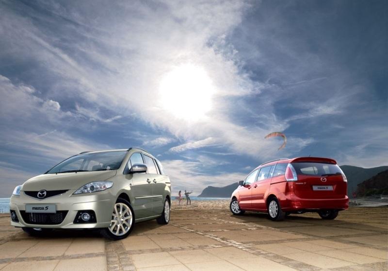 Autoesittely Mazda5 (2010)