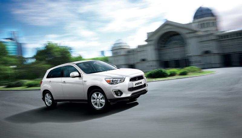 Autoesittely Mitsubishi ASX 2013