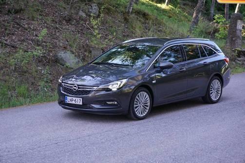IL Koeajo: Opel Astra farmari tehokoneella on järkiauto