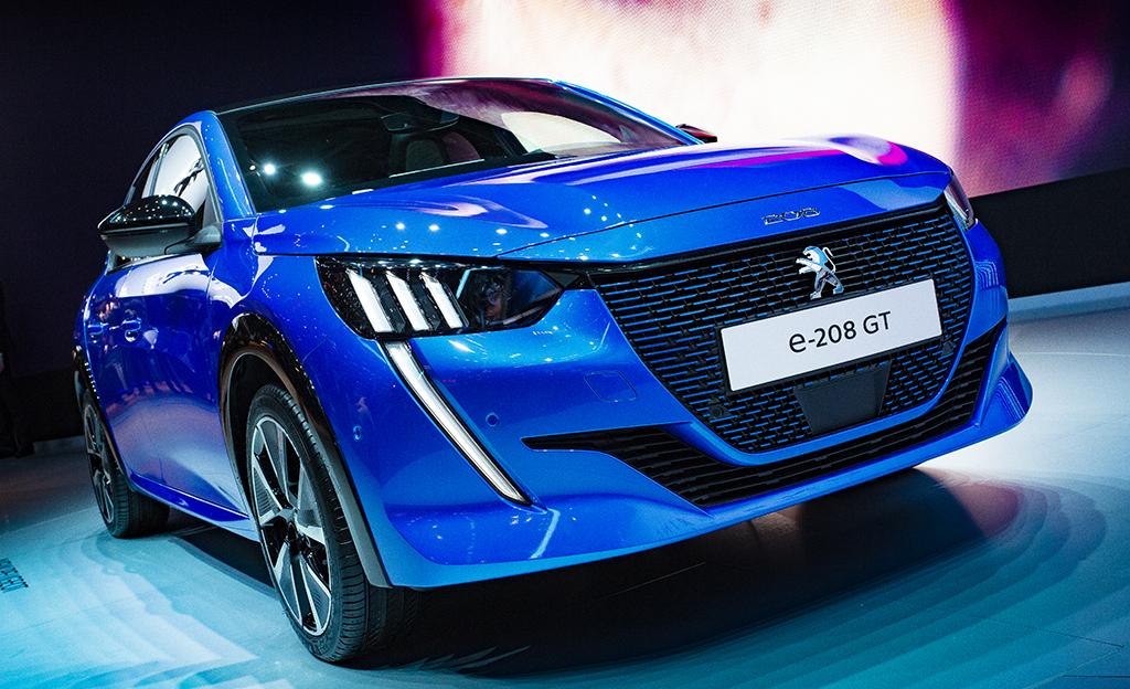 Uusi Peugeot 208 hurmaa – tarjolle myös täyssähköversio 50 kWh:n akulla
