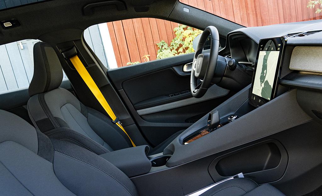 Ladataanko autoihin pian sovelluksia kuin puhelimiin? Polestar 2 -sähköautoon suosittu reittityökalu