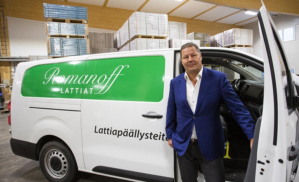 Romanoff Lattiat luottaa Opel Vivaroon – vaihto leasingiin toi huikean säästön autokuluihin