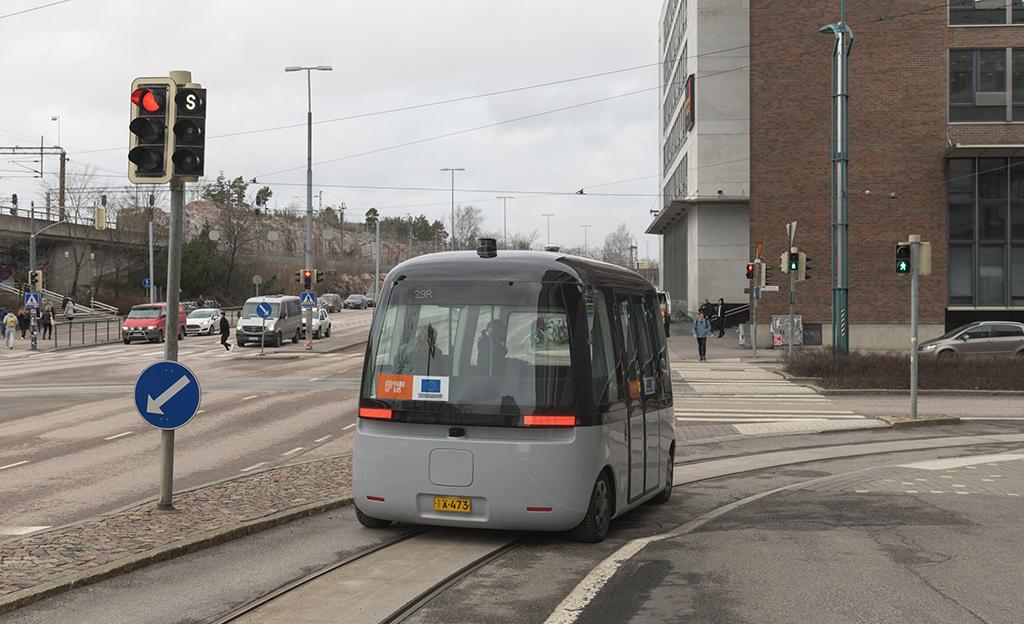 Bongasitko jo tämän erikoisen kulkuneuvon Helsingissä? Robottibussit ilmestyivät katukuvaan