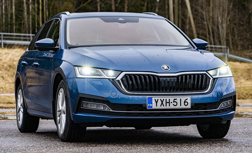 Škoda Octavia on Vuoden Auto Suomessa 2021 – merkki jatkoi voittoputkeaan