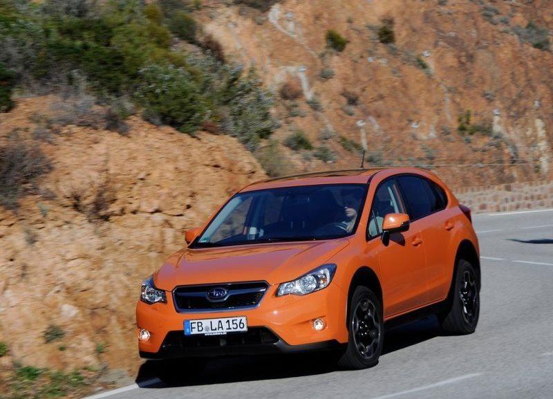 Autoesittely Subaru XV 2013