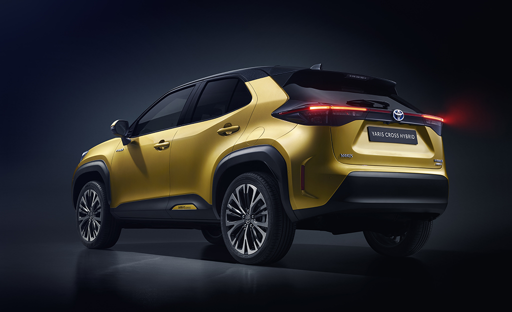 Toyotan uusi hitti? Tällainen on Toyota Yaris Cross -hybridi-katumaasturi