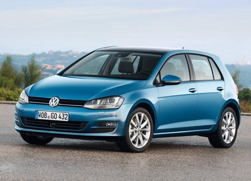 Autoesittely Volkswagen Golf 2012