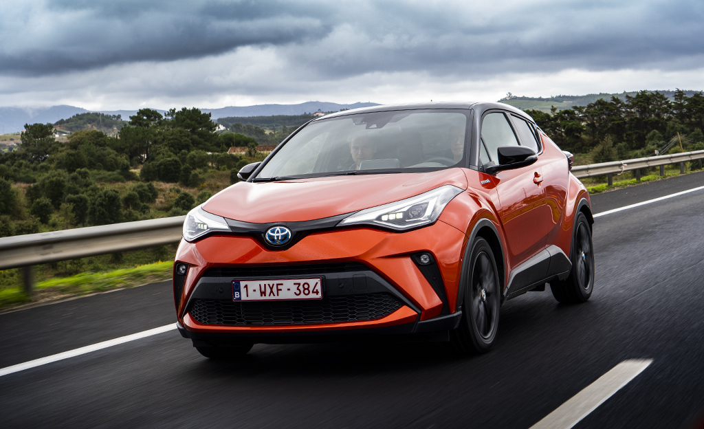 Toyota Chr Hybrid >> Koeajossa Uudistunut Toyota C Hr Vm 2020 2 0 Hybrid