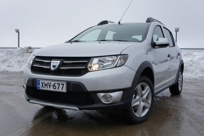 autoesittely dacia sandero sandero stepway 2013. Black Bedroom Furniture Sets. Home Design Ideas