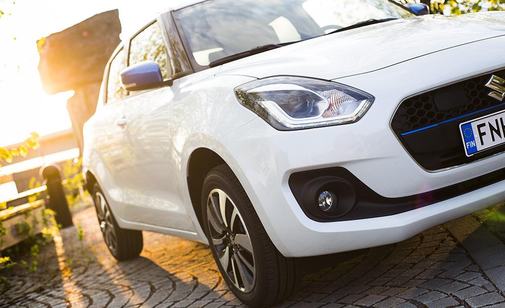 Koeajossa Suzuki Swift Hybrid - lajinsa edullisin