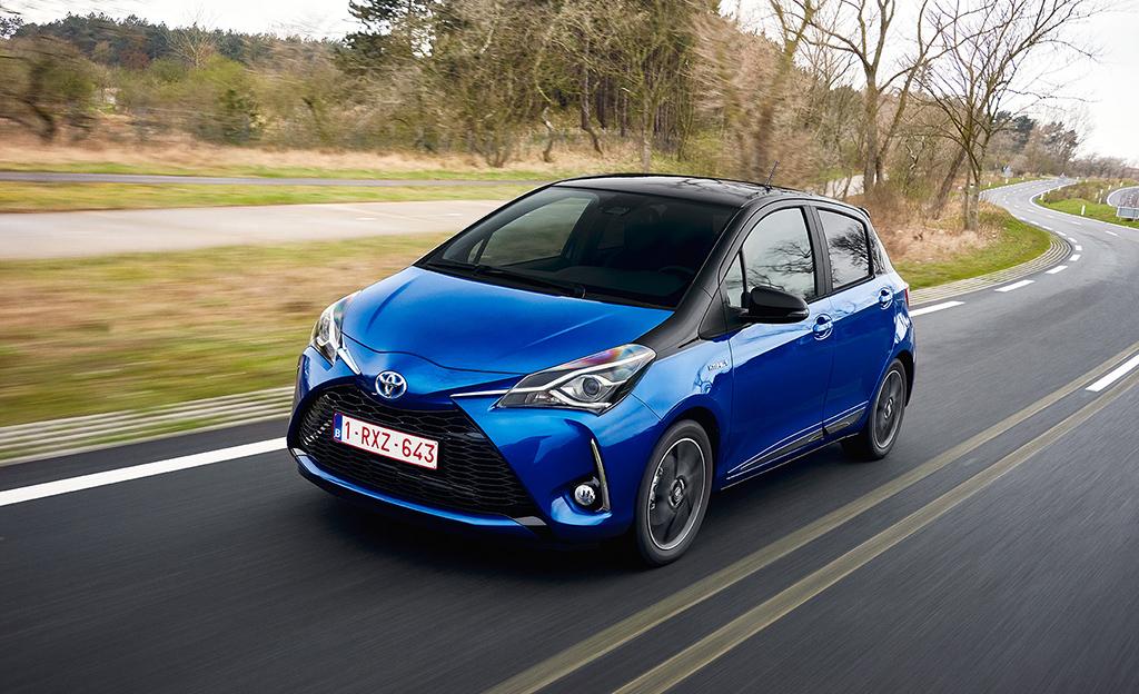 Enää kolmannes valitsee autoonsa manuaalivaihteiston – 70 prosenttia ostaa bensiiniauton