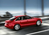 Autoesittely Audi A4 (2010)