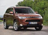 Autoesittely Mitsubishi Outlander 2013