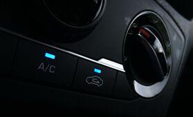 Auton ilmastointilaitteen huolto – nämä seikat kertovat heikosti toimivasta ilmastoinnista
