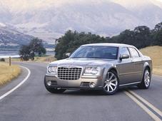Autoesittely Chrysler 300C 2007