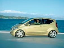 Autoesittely Mercedes-Benz A-sarja 2004-2007