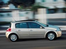 Autoesittely Renault Megane 2003