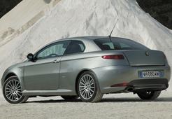 Autoesittely Alfa Romeo GT (2005)