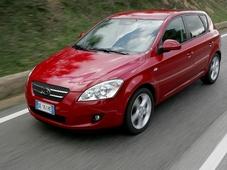 Autoesittely Kia Ceed 2008-2011